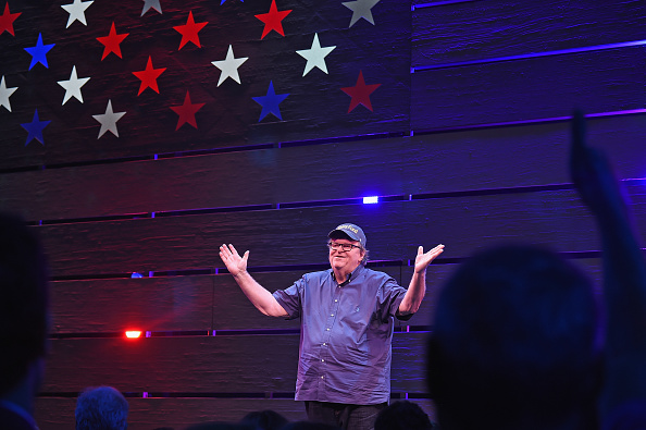 "Director「Award-Winning Filmmaker Michael Moore Celebrates His Broadway Opening Night In ""The Terms of My Surrender""」:写真・画像(13)[壁紙.com]"