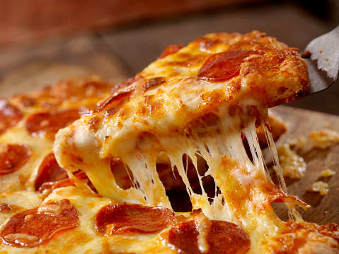 Unhealthy Eating「Cheesy Pepperoni Pizza」:スマホ壁紙(8)