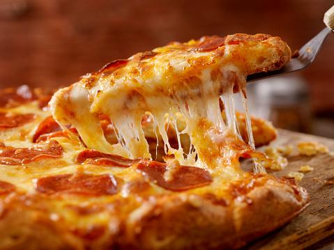 Pulling「Cheesy Pepperoni Pizza」:スマホ壁紙(11)