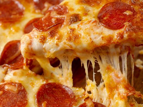 Pulling「Cheesy Pepperoni Pizza」:スマホ壁紙(14)