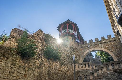 Back Lit「Germany, Hesse, Wiesbaden, Heidenmauer, defensive wall」:スマホ壁紙(19)