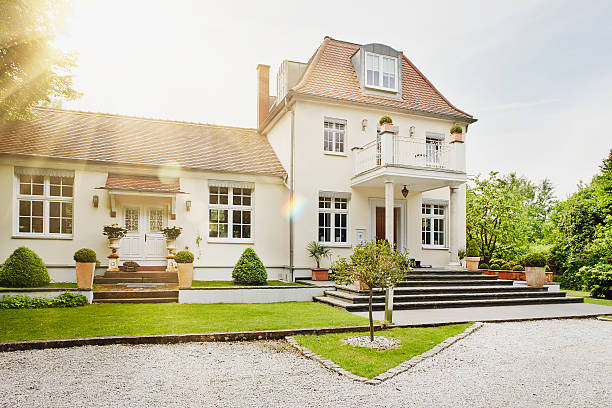 Germany, Hesse, Frankfurt, View of villa with garden:スマホ壁紙(壁紙.com)