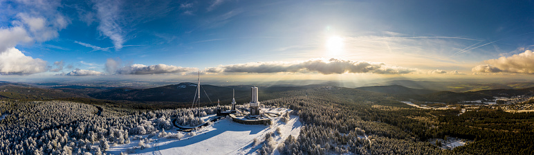 Hesse - Germany「Germany, Hesse, Schmitten, Aerial view of Grosser Feldberg, aerial mast of hr and viewing tower in winter」:スマホ壁紙(12)
