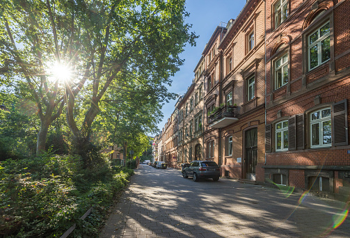 Back Lit「Germany, Hesse, Wiesbaden, Row of houses in city center」:スマホ壁紙(2)