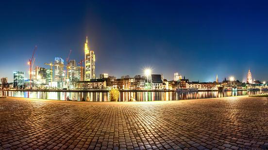 フランクフルト・アム・マイン「Germany, Hesse, Frankfurt, Skyline at night」:スマホ壁紙(3)