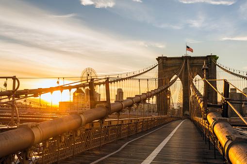 Footbridge「Brooklyn Bridge and Manhattan Bridge at Sunrise, New York City」:スマホ壁紙(4)