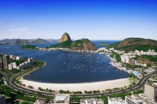 Road Marking「Sugarloaf and Botafogo Beach in Rio」:スマホ壁紙(17)