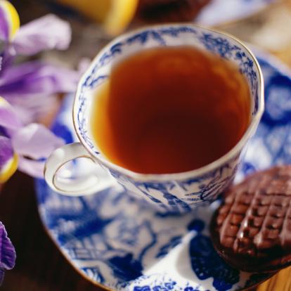 Tea「Teacup on saucer with chocolate cookie」:スマホ壁紙(16)
