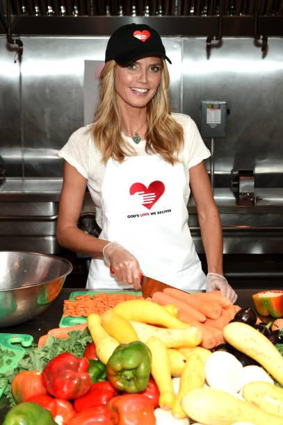 Heidi Klum Helped Prepare Meals For God's Love We Deliver:ニュース(壁紙.com)