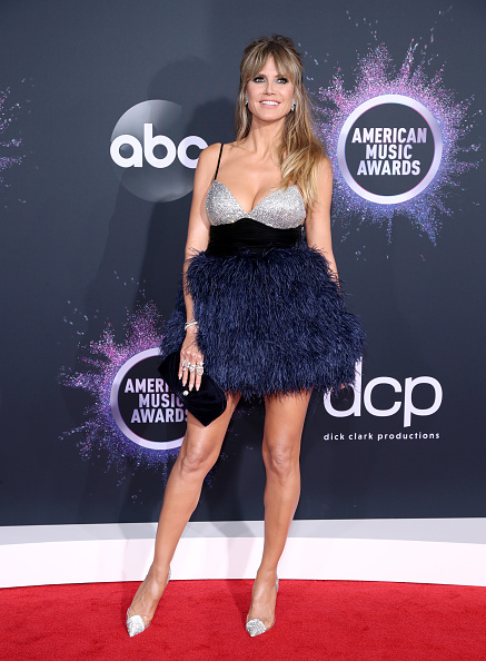 Mini Dress「2019 American Music Awards - Arrivals」:写真・画像(5)[壁紙.com]