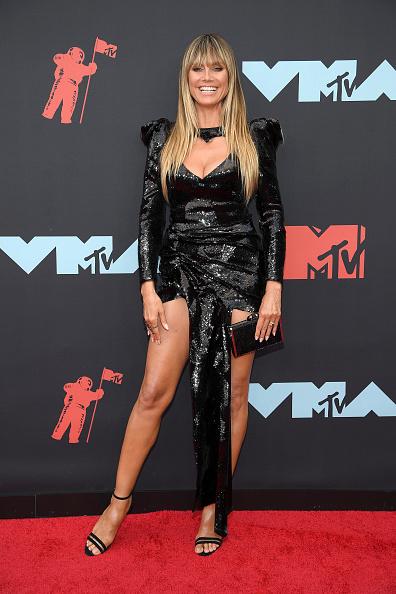 Sequin Dress「2019 MTV Video Music Awards - Arrivals」:写真・画像(6)[壁紙.com]