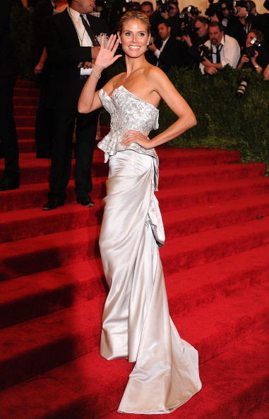 Waving「2013 Costume Institute Gala - PUNK: Chaos To Couture」:写真・画像(15)[壁紙.com]