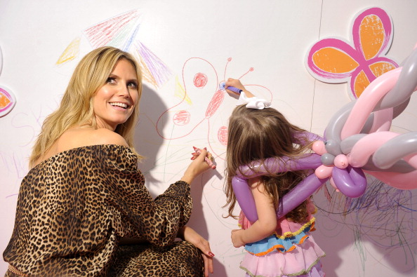 """Leopard Print「Heidi Klum Unveils Her Truly Scrumptious Collection At Babies """"R"""" Us In NYC」:写真・画像(13)[壁紙.com]"""