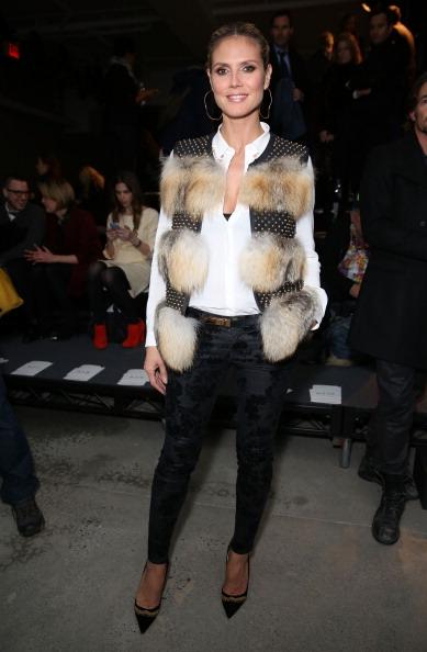 男性用ベスト「Kenneth Cole Collection - Front Row - Fall 2013 Mercedes-Benz Fashion Week」:写真・画像(0)[壁紙.com]