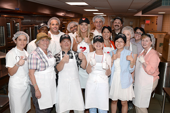 Healthy Eating「Heidi Klum Helped Prepare Meals For God's Love We Deliver」:写真・画像(10)[壁紙.com]