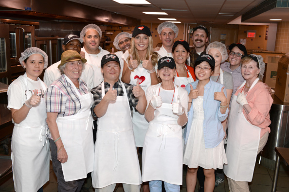 Healthy Eating「Heidi Klum Helped Prepare Meals For God's Love We Deliver」:写真・画像(11)[壁紙.com]