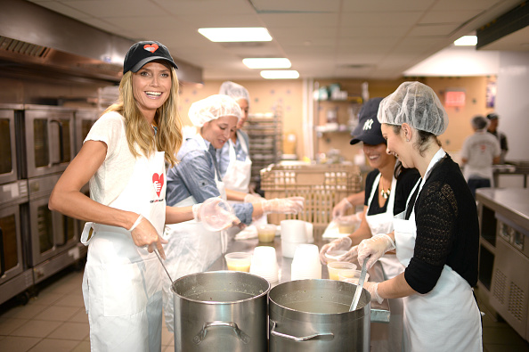 Healthy Eating「Heidi Klum Helped Prepare Meals For God's Love We Deliver」:写真・画像(12)[壁紙.com]