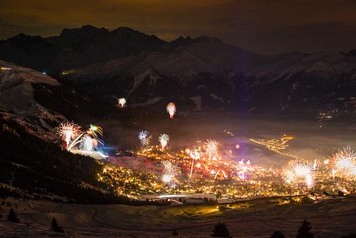 Snowboarding「Mountain firework display」:スマホ壁紙(18)
