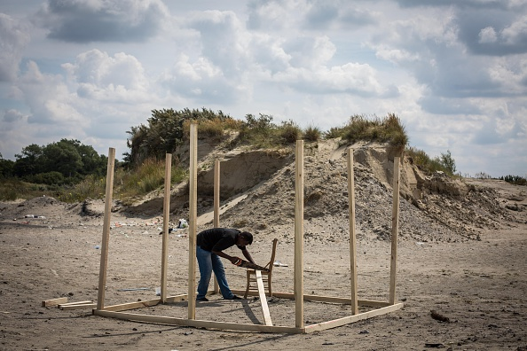 Calais「Calais Migrants Attempt To Find A Way To Reach The UK」:写真・画像(3)[壁紙.com]