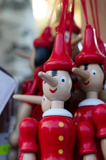 Gift Shop「Pinocchio Wooden Puppets」:スマホ壁紙(4)