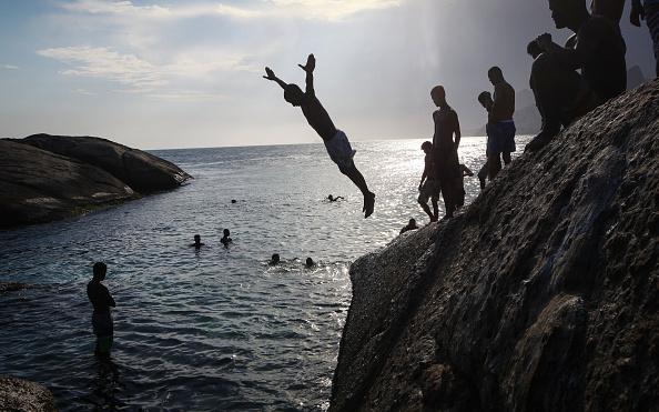 New Year「Revelers Celebrate New Year's Eve In Rio De Janeiro」:写真・画像(3)[壁紙.com]