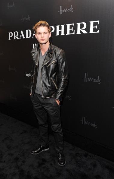Jeremy Irvine「Prada And Harrods Present PRADASPHERE」:写真・画像(13)[壁紙.com]