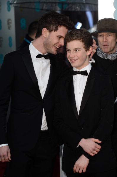 Jeremy Irvine「EE British Academy Film Awards - Red Carpet Arrivals」:写真・画像(11)[壁紙.com]