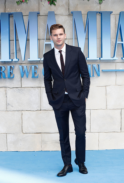 "Jeremy Irvine「""Mamma Mia! Here We Go Again"" - UK Premiere - Red Carpet Arrivals」:写真・画像(3)[壁紙.com]"
