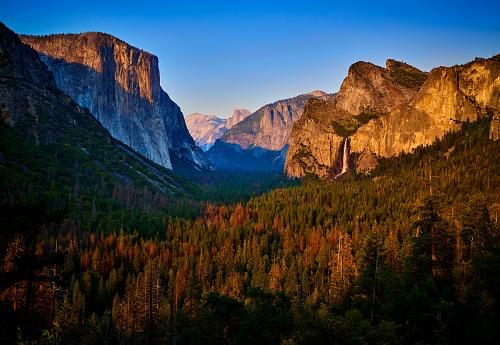 Yosemite Valley「Yosemite Valley at Sunset, California, USA」:スマホ壁紙(18)