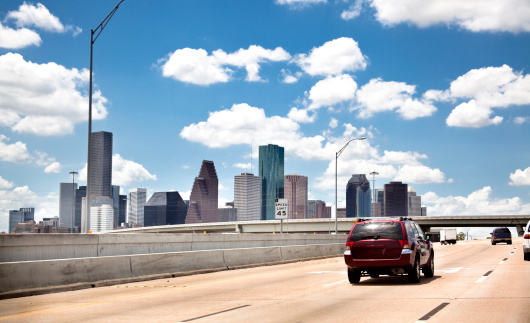 Elevated Road「Skyline, downtown city. Houston Texas USA. Highway, interstate road. Traffic.」:スマホ壁紙(0)
