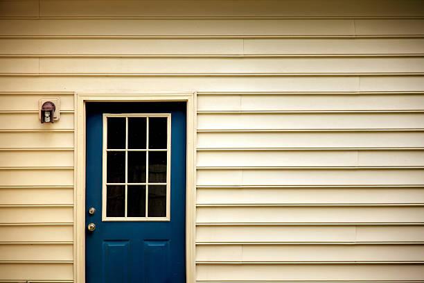 back door:スマホ壁紙(壁紙.com)