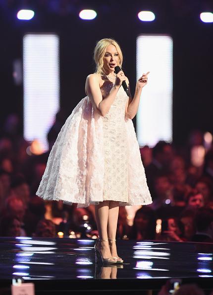 Kylie Minogue「Brit Awards 2016 - Show」:写真・画像(19)[壁紙.com]