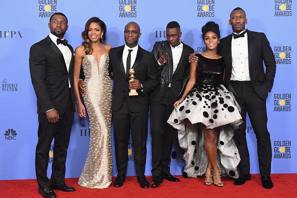 Burberry「74th Annual Golden Globe Awards - Press Room」:写真・画像(15)[壁紙.com]