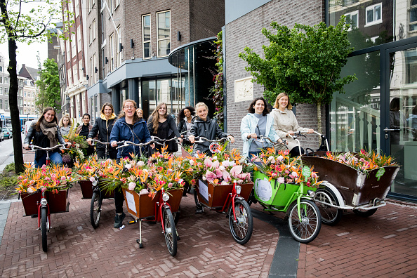 Netherlands「'Floral Vandals' Take To the Streets Of Amsterdam To Mark The Opening Of Kimpton De Witt Hotel」:写真・画像(18)[壁紙.com]