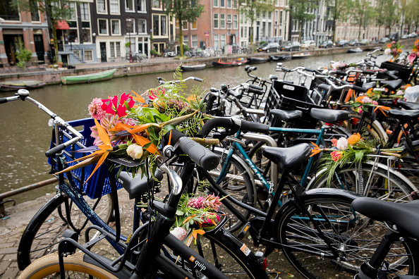 Netherlands「'Floral Vandals' Take To the Streets Of Amsterdam To Mark The Opening Of Kimpton De Witt Hotel」:写真・画像(8)[壁紙.com]