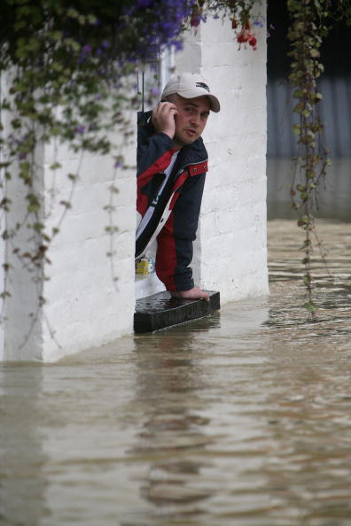 Pub Food「Torrential Rain Threatens Further Flooding」:写真・画像(11)[壁紙.com]
