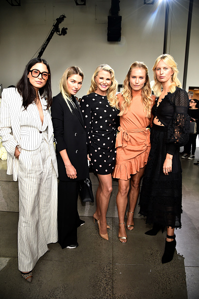 Jessica Hart「Zimmermann - Front Row - September 2018 - New York Fashion Week: The Shows」:写真・画像(9)[壁紙.com]