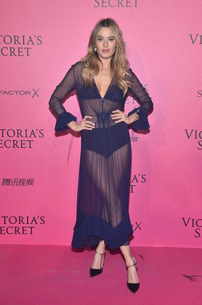1人「2016 Victoria's Secret Fashion Show in Paris - After Party - Arrivals」:写真・画像(8)[壁紙.com]