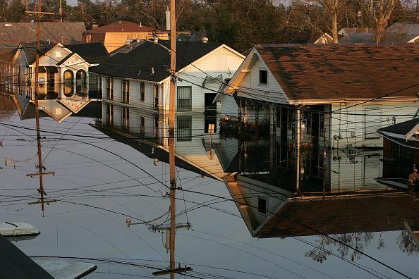 2005「Hurricane Katrina Aftermath - Day 12」:写真・画像(1)[壁紙.com]