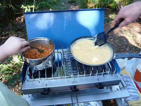 Camping Stove「Cooking baked beans and scrambled eggs on small camp stove」:スマホ壁紙(15)