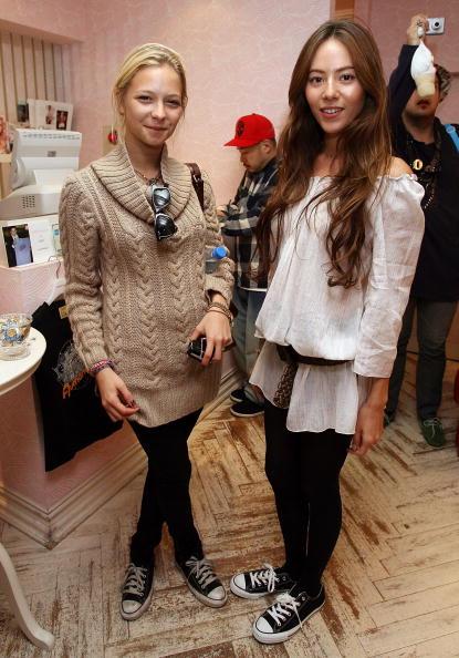 Annabelle Dexter Jones「JPN: Lindsay Lohan Store Visit At Charlotte Ronson」:写真・画像(16)[壁紙.com]