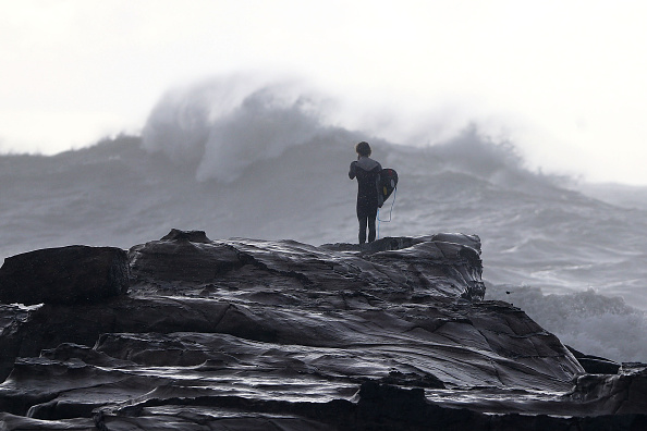サーフィン「Severe Storm Continues To Lash New South Wales」:写真・画像(18)[壁紙.com]