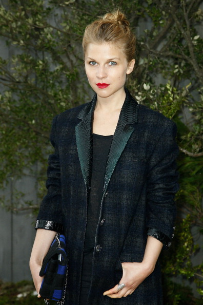 Chanel Jacket「Chanel: Photocall - Paris Fashion Week Haute-Couture Spring/Summer 2013」:写真・画像(15)[壁紙.com]