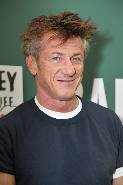 "Sean Penn「Sean Penn Discusses His New Book ""Bob Honey Who Just Do Stuff: A Novel""」:写真・画像(17)[壁紙.com]"