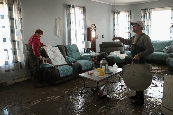 友情「Flooding Continues To Cause Devastation Across Midwest」:写真・画像(14)[壁紙.com]