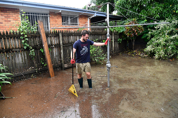 Front or Back Yard「Townsville Residents Return To Homes As Damage Estimate Reaches $124 Million」:写真・画像(5)[壁紙.com]