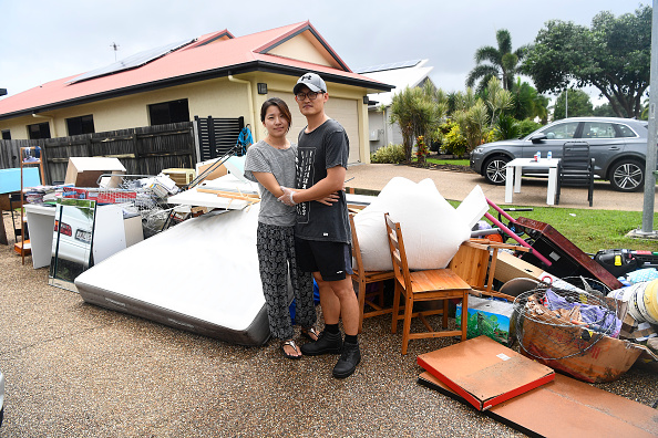 Suburb「Townsville Residents Return To Homes As Damage Estimate Reaches $124 Million」:写真・画像(1)[壁紙.com]