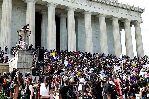 Dedication「March On Washington To Protest Police Brutality」:写真・画像(2)[壁紙.com]