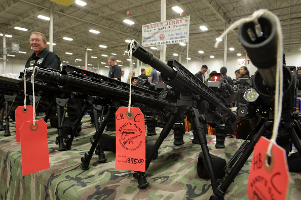 Gun「Major Gun Show Held In Virginia」:写真・画像(7)[壁紙.com]