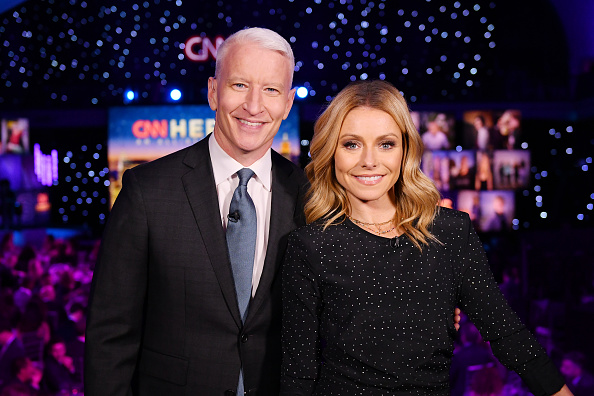 上半身「12th Annual CNN Heroes: An All-Star Tribute - Show」:写真・画像(13)[壁紙.com]